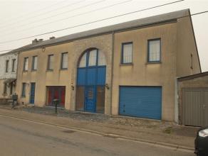 Ensemble de 2 maisons attenantes, situées proche de la gare et des écoles, sur un terrain de 465 m², à Paliseul. Maison 1 (