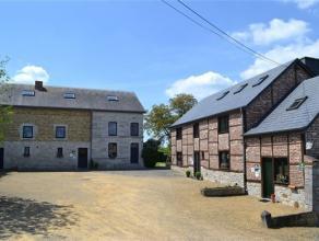 Authentique ensemble immobilier composé de 4 maisons de charme actuellement utilisé en tant que gîtes situé dans un des plu
