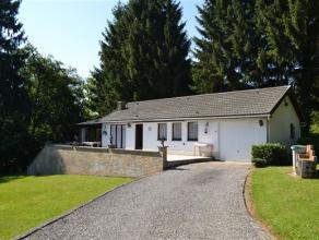 Située dans un quartier résidentiel au calme (impasse) à proximité du centre de Durbuy et de la vallée de l'Ourthe,