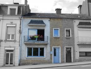 A proximité directe du centre ville et de la gare, grande maison d'habitation 2façades, à moderniser, comprenant 3 chambres avec
