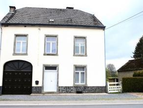 Bonne maison d'habitation composée au rez de chaussée d'un vaste hall, salon, salle à manger, cuisine, wc, garage et vaste atelie