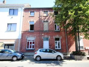 Mons rue des Arbalestriers 16, maison à usage de bureaux proche du centre ville et des grands axes routiers comprenant au rez : hall d'entr&eac