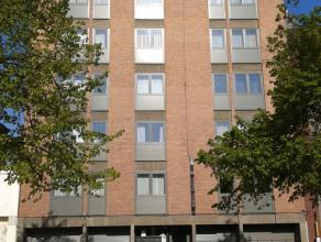 Mons, Place P-J Duménil 7, 6ème étage. Beau penthouse très lumineux (+/-90m²) dans le centre ville, proche des commer
