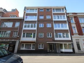 Mons rue de Bertaimont 18/7, bel appartement rénové (+/- 85m²) dans le centre-ville, proche des grands axes routiers et des commerc