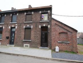 Cuesmes, rue du Cache Après 77. Maison à rénover comp. cave, salon, salle à manger, wc, débarras, hall de nuit, 2 c