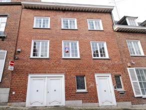 Mons, rue du Onze Novembre 15a boite 31 Appartement 1 chambre proche de la grand-place de Mons comprenant: hall, salon, cuisine équipée,