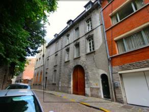 Mons rue Terre du Prince 15-1, centre ville, bel appartement comprenant: séjour, cuisine équipée, 1 chambre, 1 salle de bains. Lo