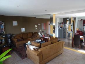 Tous les avantages d'un appartement sans les inconvenients, entrée privative sans charges communes. Triplex 2 chambres, bureau et DEUX magnifiq