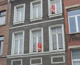 39 RUE EDOUARD ETIENNE, maison centre ville sur 3 niveaux avec garage comprenant grand séjour, cuisine non équipée, pièce