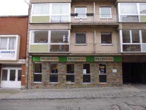 Très bel appartement de 100m² situé au 1er étage dans un quartier calme de La Louvière à proximité du p