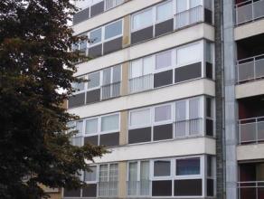 Très bel appartement lumineux et  remis à neuf  de 85m² comprenant hall d'entrée, living, cuisine équipée, sal
