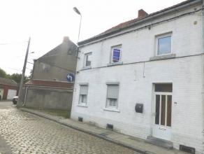 Réf. 219: Belle maison d'habitation avec gros potentiel.Deux numéros de rue indépendants, 4 chambres pouvant être convertie