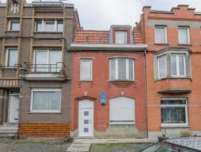 HERSEAUXLarge maison entre pignons à rénover, composée de : Rez-de-chaussée : hall d'entrée, living avec salon et s