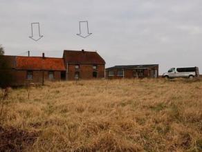 Maison située au calme en bordure de champs, vue unique,  à proximité du centre de Chièvres  avec son grand terrain de 9 a