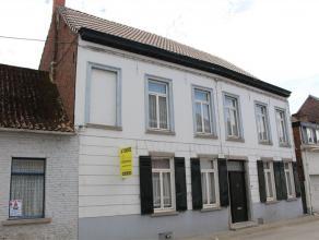 DEUX-ACREN - Non loin du centre du village et pas trop éloignée de la Flandre et d'un accès A8 vers Bruxelles, maison 3 fa&ccedil