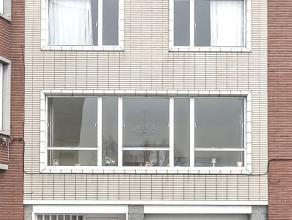 Sous option d'achat Spacieuse Maison bel-étage avec garage et jardin. Située à proximité des commerces, des écoles