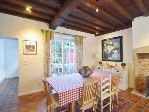 schitterende compacte  typische BRUGSE woning,g living en eetplaats in een ruimte, afzonderlijk goed ingerichte keuken met alle toestellen, natuurstee