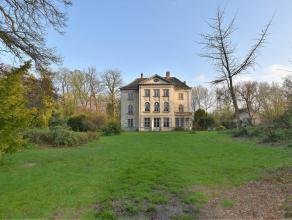 Het prachtig kasteeldomein Norenburg is gelegen op een privaat domein van 2.24ha aan de rand van Brugge langs het kanaal Brugge-Oostende. De eerste ve