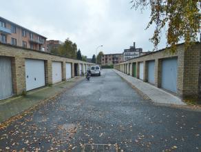 Goed gelegen garagebox in Sint-Andries. Onmiddellijk vrij!