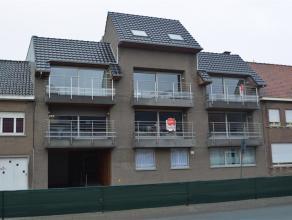 Nieuwe duplex met 2 slaapkamers en veel ruimte.<br /> <br /> De duplex heeft volgende indeling:<br /> > inkom met trap naar 2de verdieping<br /> &g