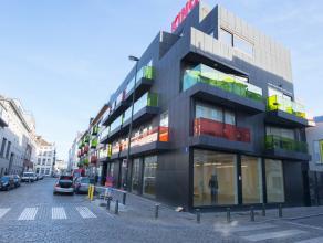 Prachtig gerenoveerd handelsruimte in het Museum Boulevard complex, gelegen op een prestigieuze locatie in het centrum van Brussel op een boogscheut v