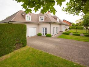 Bijzonder charmante en karaktervolle villa gelegen in het hart van de residentiële wijk Rodenburg. Vlotte bereikbaarheid, optimaal wooncomfort en