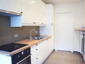 Volledig vernieuwd appartement met 2 slaapkamers, op 2 minuten van de Grote Markt.<br /> Gelegen in een rustige en verzorgde residentie werd het appar