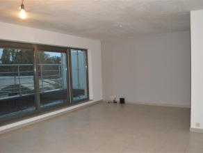 Recent appartement met 1 slaapkamer en ruim zuidgericht terras.<br /> <br /> Centraal gelegen.<br /> <br /> Het appartement heeft volgende indeling:<b