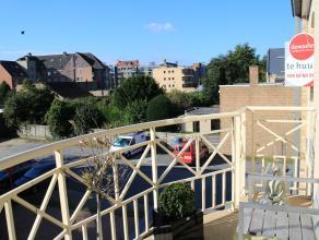 Super rustig gelegen recent appartement met garage in het centrum van Gistel dichtbij het stadspark, het marktplein en openbaar vervoer.Het appartemen