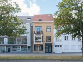 Stijlvol gerenoveerd herenhuis te koop. Deze woning is gelegen aan de Elisabethlaan te Oostende waardoor u zich op slechts enkele wandelpassen bevindt