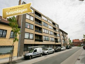 Dit appartement (ca 70m²)  op de 2de verdieping  in residentie Posthoorn bestaat uit:<br /> <br /> * inkom met apart toilet - woonkamer (4,10 x 5