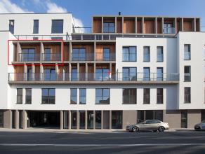 Dit nieuwbouwappartement in Residentie Raveel is spiksplinternieuw en voorzien van alle comfort. Gelegen op een boogscheut van het centrum, vlakbij he