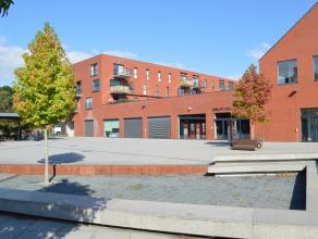 Lichtrijk en recent hoekappartement op de tweede verdieping in residentie 'De Fonderie'. Rustig doch centraal gelegen op wandelafstand van o.a. de Gro