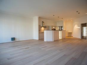 Dit exclusief appartement met een bewoonbare oppervlakte van circa 225m², met zonnig terras, geniet een prachtig zicht. De afwerkingsgraad, de lu