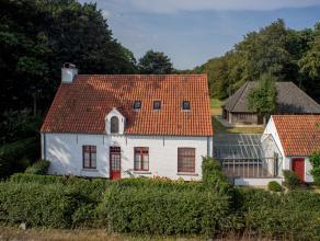 Prachtig gerenoveerd landhuis met bijhorende polyvalente ruimte (schuur)  in groene omgeving te huur. Gelegen in Sint-Andries en met goede verbinding
