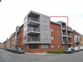 Nieuwbouwappartement met 2 slaapkamers, ondergrondse garage en terras gelegen te Ieper. Gunstig in verbruik. Het appartement bestaat uit:<br /> <br />