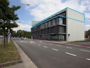 Kantoor (338m²) met de met mooie zichten en terras in het project Katelijnepoort op de hoek van de ring met de Baron Ruzettelaan (invalsweg). <br