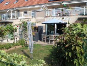 Gezellig en ruim appartement met 2 slaapkamers gelegen in een rustige straat. Het appartement beschikt over een mooie tuin.<br /> <br /> Indeling: ink