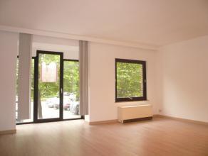 Knus en instapklaar appartement.<br /> Centraal gelegen op het mooie St. Amandsplein.<br /> <br /> Appartement omvat:<br /> - inkom met apart toilet;<