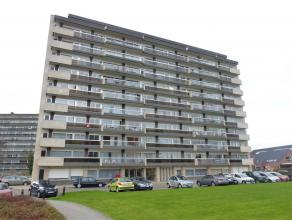 """Dit gerenoveerde appartement is gelegen nabij het station van Dendermonde, het natuurgebied """"Brusselse Forten"""" en de winkelstraten. Zeer goed onderhou"""