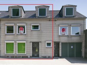 Deze uitzonderlijke eigendom is gelegen in het centrum van Ooigem. De woning beschikt over 5 ruime slpkamers en een aangename zuidgerichte tuin. Mits
