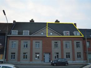 Recent appartement met groot terras en 2 slaapkamers!<br /> Gelegen te Beitem/Rumbeke.<br /> <br /> Het ruime dakappartement is volledig geschilderd e