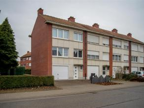 Prachtige bel-étage met garage en tuin gelegen aan een van de invalswegen naar Dendermonde in de buurt van winkels en op wandelafstand van het
