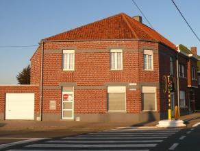 Leuk en gezellig appartement op de eerste verdieping in een rustig gebouw, vlakbij centrum Roeselare! <br /> <br /> Het appartement omvat: <br /> - in