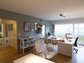 Dit gemeubeld appartement situeert zich op de Coupure Links te Gent. <br /> Het appartement werd volledig gerenoveerd en is tot in de puntjes afgewerk