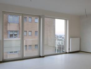 Dit ruim nieuwbouwappartement met 2 slaapkamers is gelegen in Zeebrugge op de 1ste verdieping.<br /> <br /> Indeling: <br /> inkom - woonkamer (28m&su
