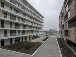 Prachtig nieuwbouwappartement met 2 slaapkamers en terras op fantastische locatie, aan het station en dicht bij alle uitvalswegen (Expresweg, E40...).