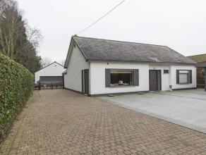 5Deze alleenstaande villa is gelegen op een rustige, volledige private  locatie (grondoppervlakte ca. 5.988m²) te Wortegem. Er is achteraan een g