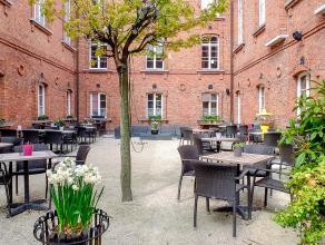 Overname handelsfonds van een instapklare brasserie in het volle historische centrum van Brugge.<br /> <br /> Indeling:<br /> > Gelagzaal (70 zitpl