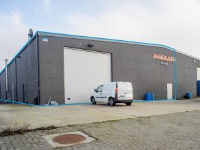Recente loods (708m²), gelegen op industrieterrein Herdersbrug te Brugge. Goede bereikbaarheid E40 - E403 - A11.<br /> <br /> Indeling: <br /> -